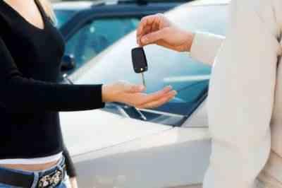 Как не переплатить в автосалоне?