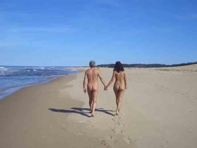 nudistskie-plyazhi-mira-foto