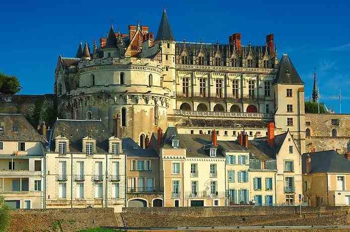 Старовинний маріїнський палац може перетворитися на руїни